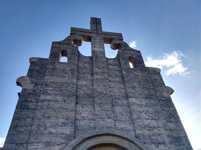 Sanatorio de Abades | Cruz iglesia