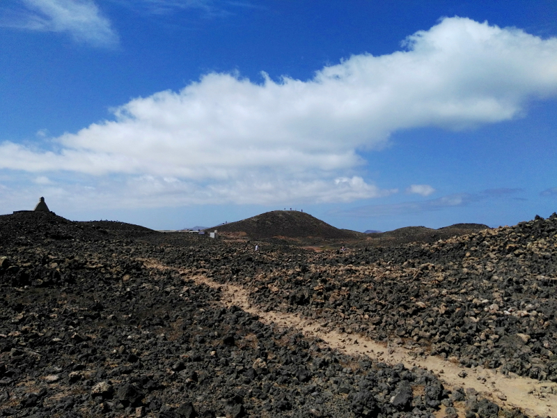 Ruta por Isla de Lobos | Fuerteventura | Paisaje volcánico