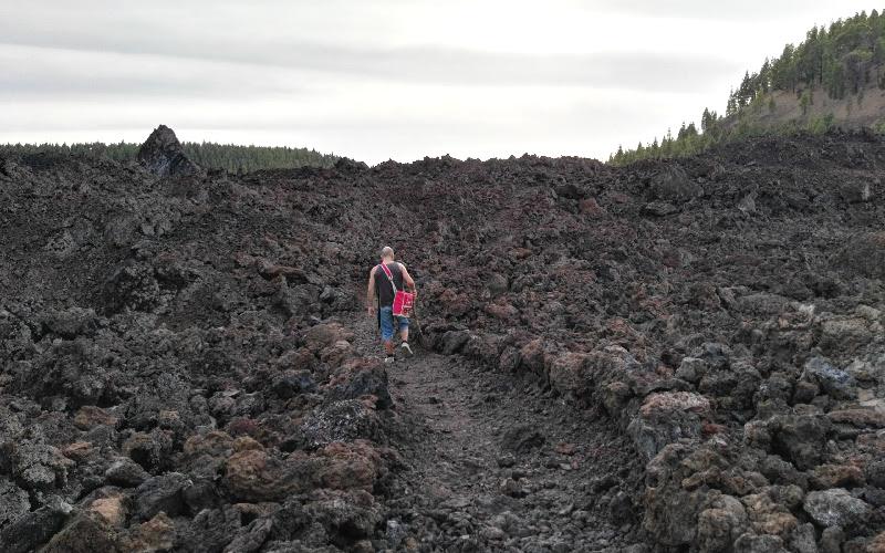 Vuelta al Chinyero | Tenerife | Camino entre lava