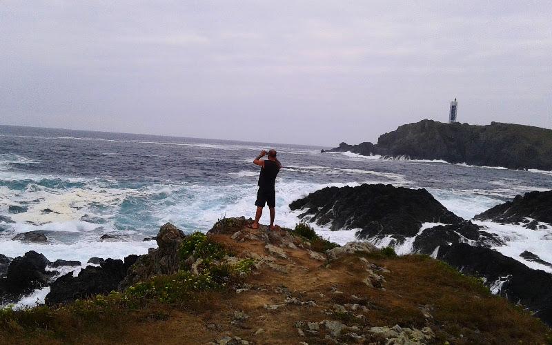 Valdoviño | Costa de Meirás con el faro de la Frouxeira al fondo