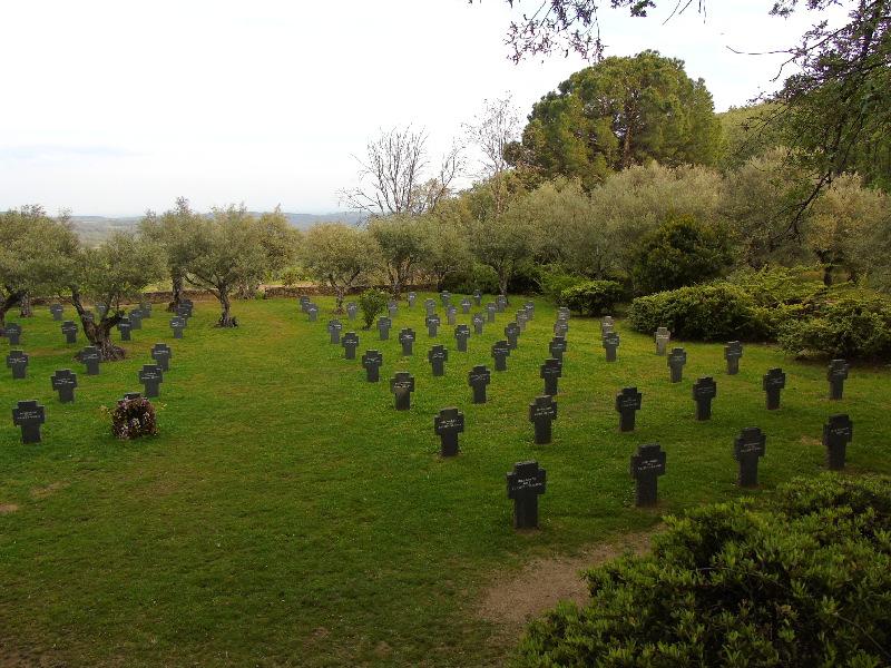 Cuacos de Yuste | Cáceres | Extremadura | Cementerio Militar Alemán | Cruces