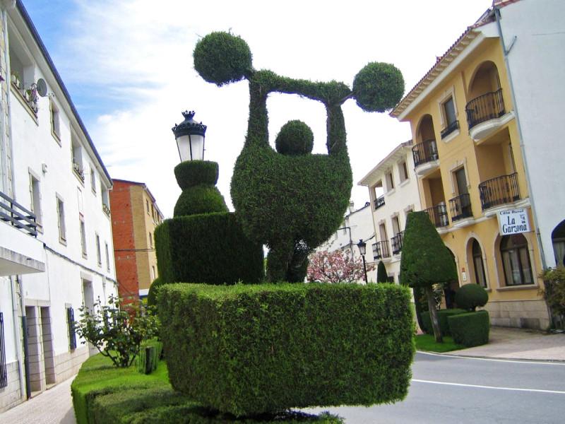 Losar de la Vera | Esculturas vegetales
