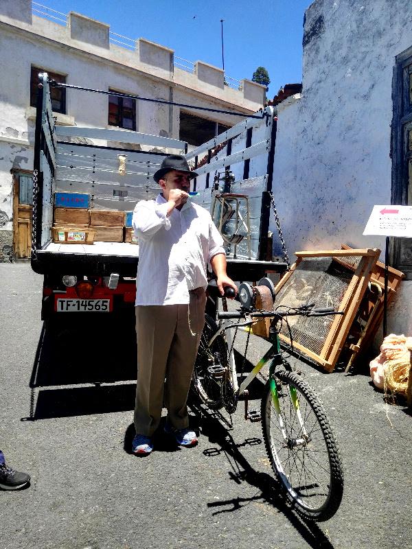 Día de las Tradiciones | Chirche | Guía de Isora | Tenerife | El afilador