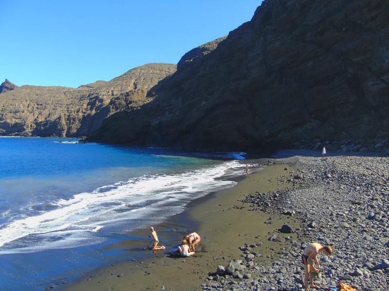 Playas para relajarse en La Gomera | Playa de la Caleta | Hermigua | Islas Canarias