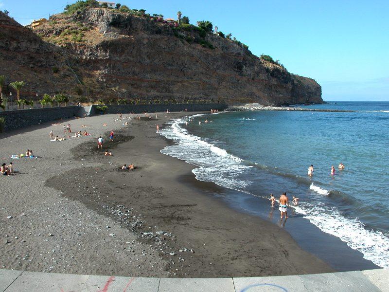 Playas para relajarse en La Gomera | Playa de La Cueva | San Sebastián de La Gomera | Islas Canarias
