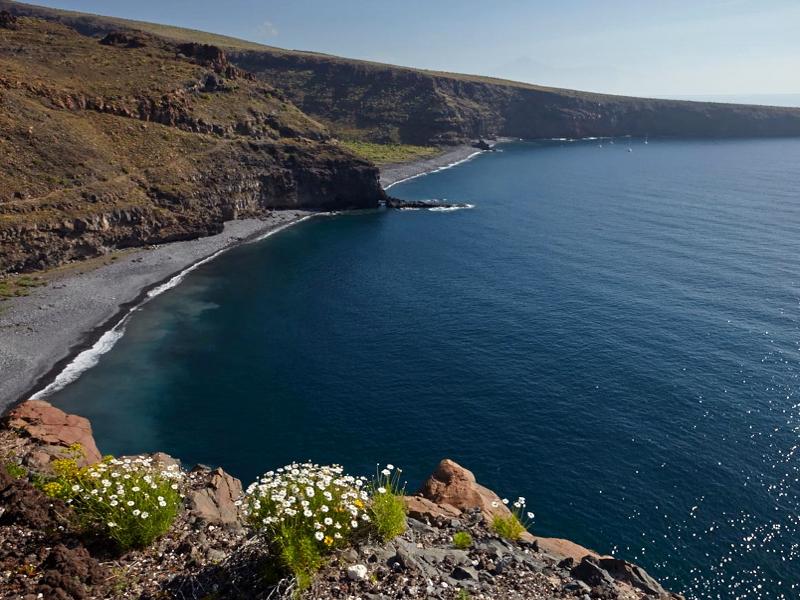 Playas para relajarse en La Gomera | Playa del Medio | Playa Chinguarime | Alajeró | La Gomera | Islas Canarias