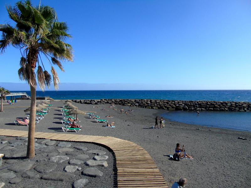 Las Caletillas | Candelaria | Tenerife | Playa Las Arenas | hamacas