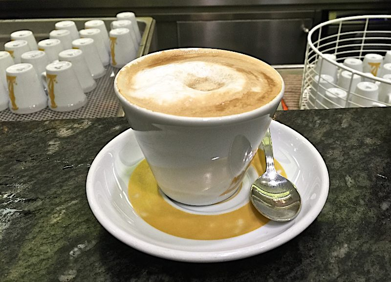Tomar café en Roma