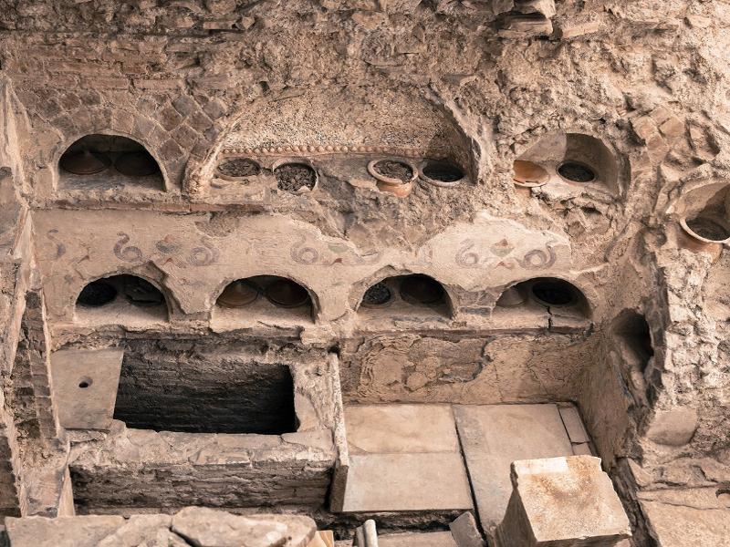 Visitar Necrópolis Via Triumphalis en el Vaticano