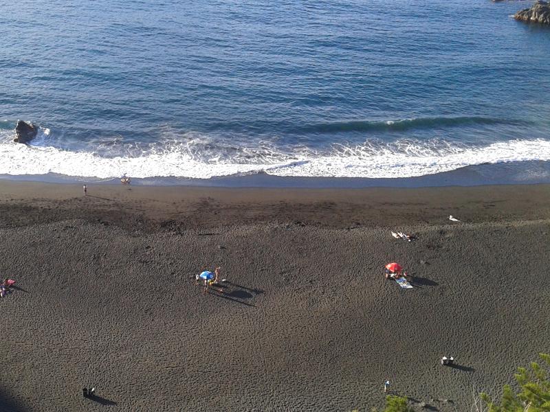 Playas de arena volcánica en Tenerife
