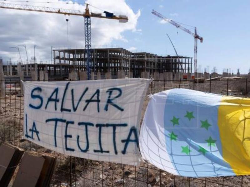 Hotel ilegal de La Tejita